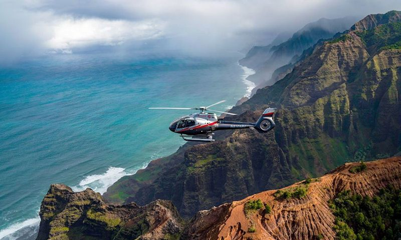 Na Pali Coast helicopter tour guide